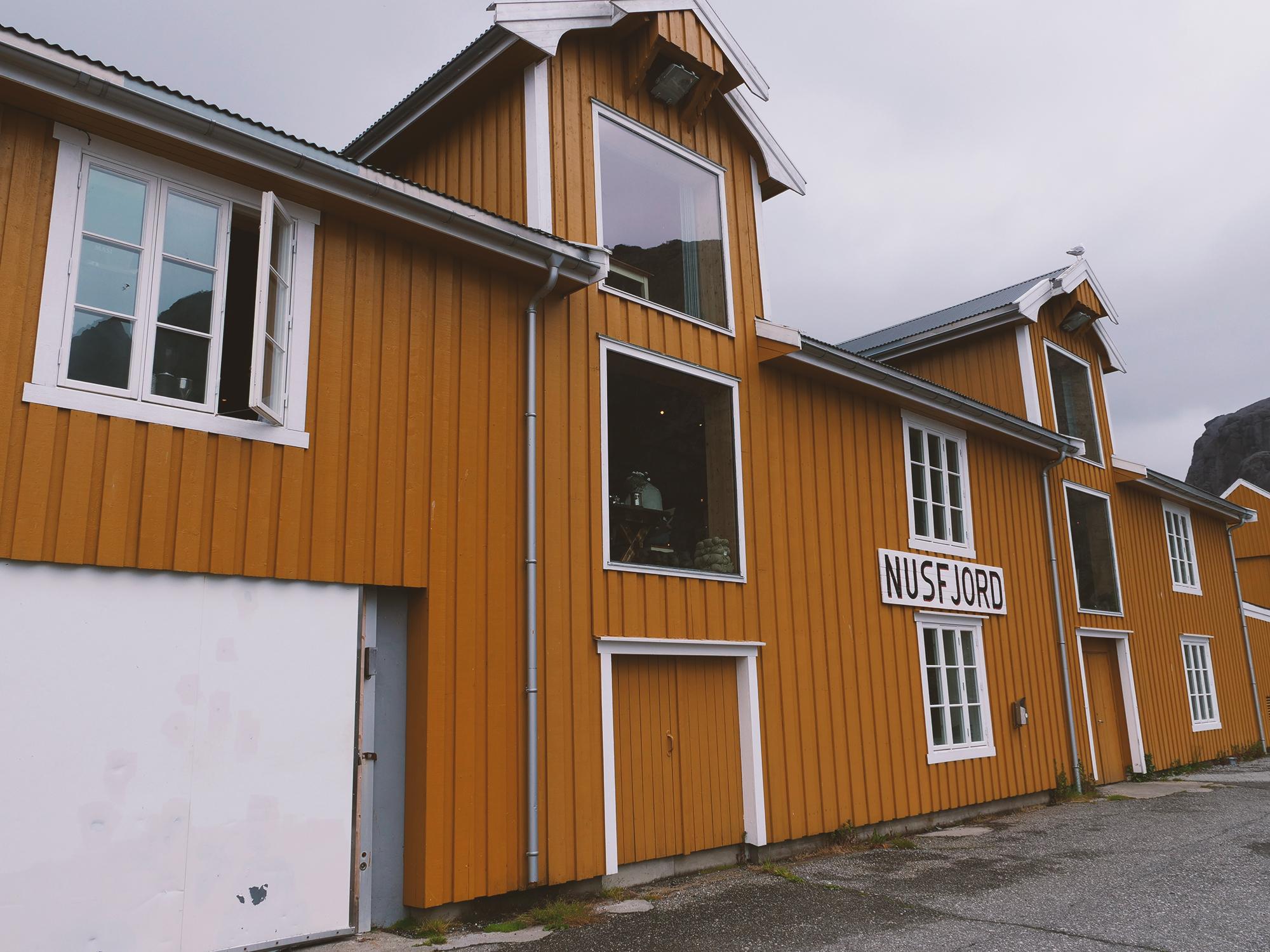 nusfjord nocleg w rorbu