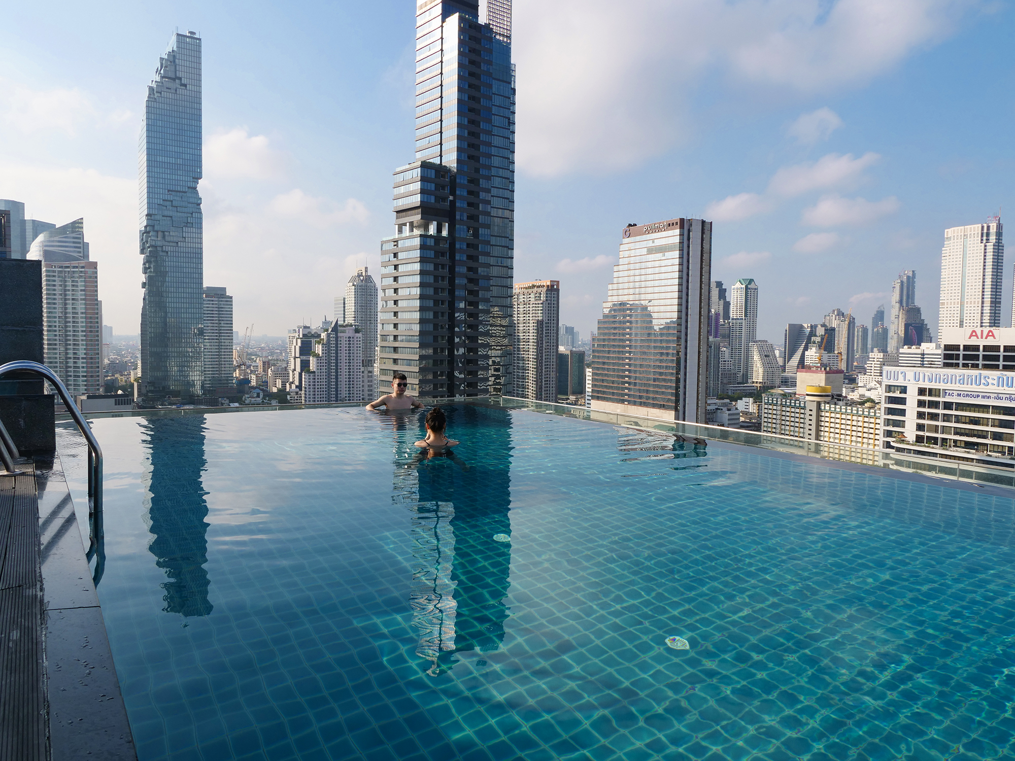 bangkok hotel infinity pool
