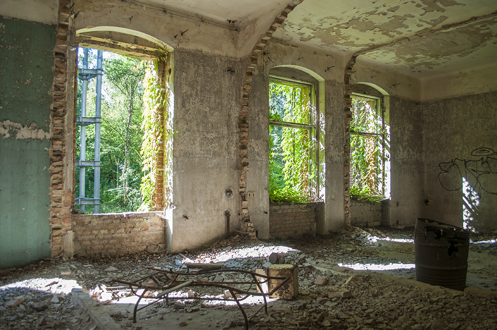 zwiedzanie opuszczonych miejsc